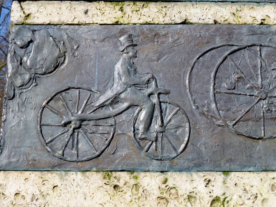 Fragment uit het monument 'Rijwielvereniging Utrecht Met Omstreken'